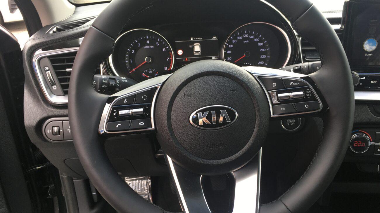 Xceed - Czarny -  Nissan Odyssey