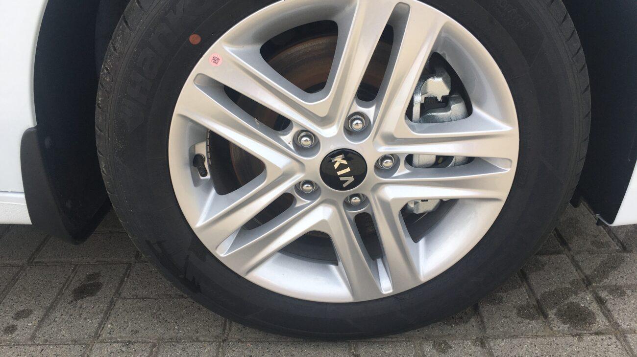 Ceed - Biały -  Nissan Odyssey